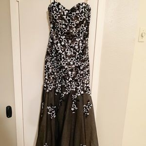 Scala black and white floral formal dress size 10